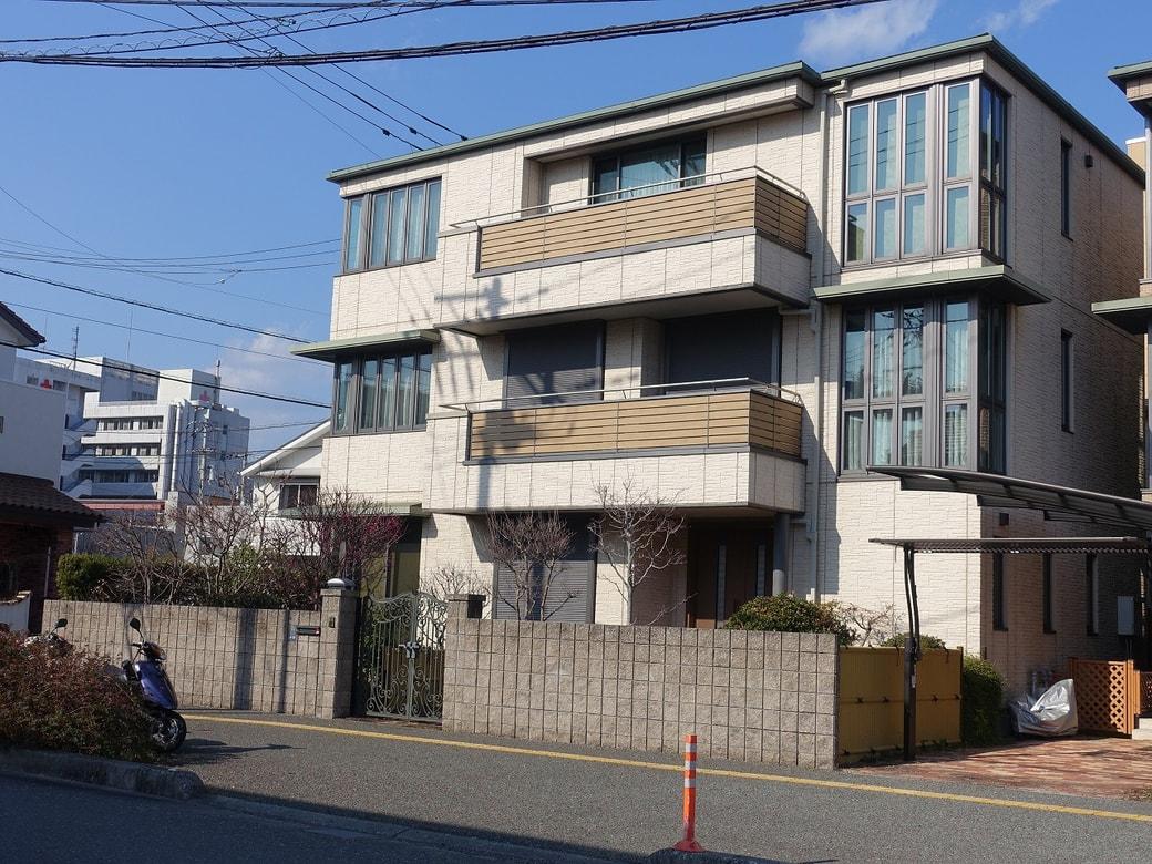 ■ 高知市新本町二丁目 5SLDK+WIC