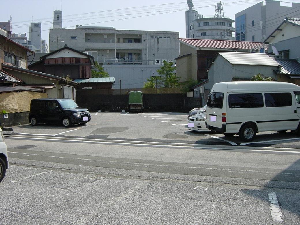■ 高知市廿代町/駐車場